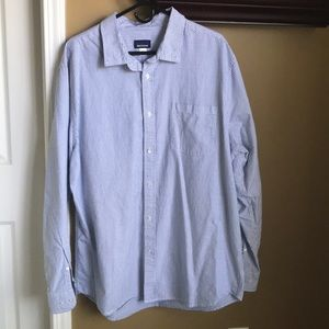 3/$15 Nice pinstriped buttoned down shirt